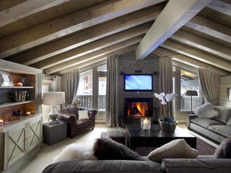 Уютная гостиная на мансарде