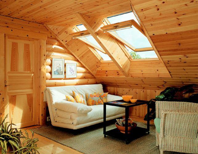 Интерьер мансарды в деревянном стиле